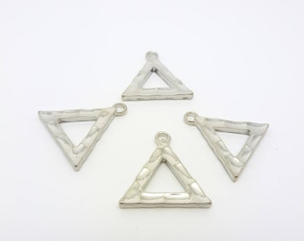 4 charms hammered Triangle 19 * 19mm clear (PHBA01)