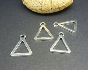 4 charms geometric Triangle 17 * 13mm (8SBA72)