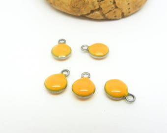 5 round charms 6mm yellow - enameled (USAI20) stainless steel base