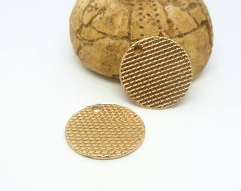 2 charms textured round sequins 18mm gold plated (USBD04)