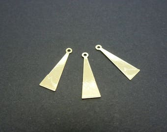 3 charms triangle gold metal 15 * 5mm (XBD02)