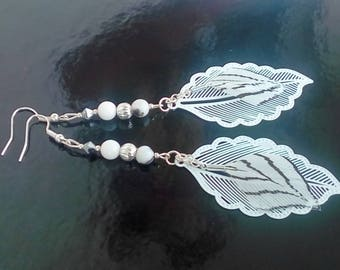 "The ""big feathers"" earrings in white - black and silver"