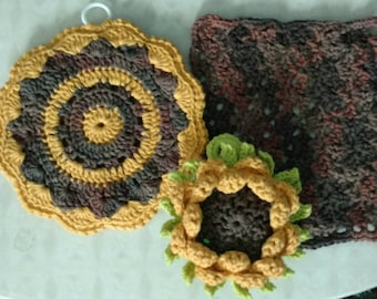 Hand crocheted Dishcloth, with matching potholder and sunflower scrubbie