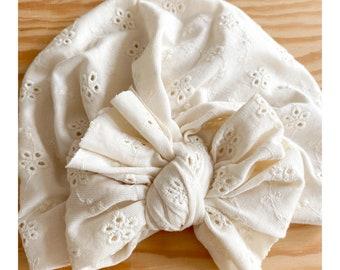 Iris turban, bow tie, viscose jersey, English embroidery, cream.