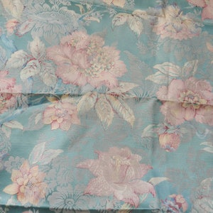 Fabulous Vintage Upholstery Fabric 1940/'s Cream with Red and Green