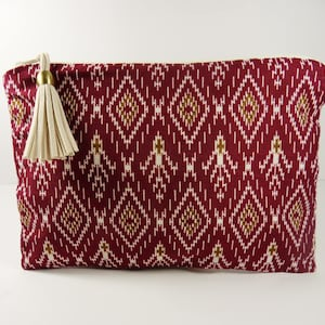make-up kit in Burgundy Thai fabric. Make-up pouch