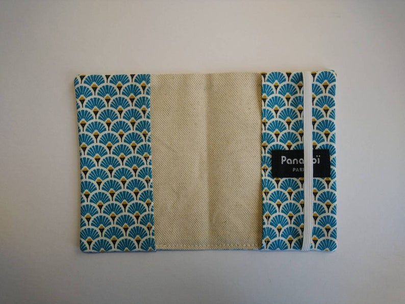 handmade birthday gift made in France. Passport case passport protector in Japanese fabric pattern blue fans