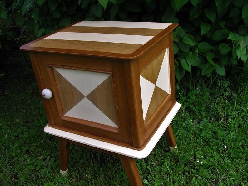 Meuble Vintage Relooke Table De Chevet Patine Bout De Canape Annees 60 Decoration Interieur Deco Chambre D Hotes Meuble Pieds Compas