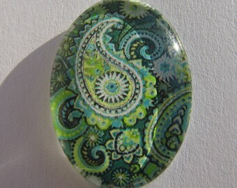 Cabochon 18 X 13 mm oval with his green Arabesque picture