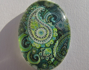 Cabochon 18 X 25 mm oval with his green Arabesque picture
