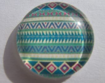 Cabochon 20 mm round domed with its multicolored geometric pattern image