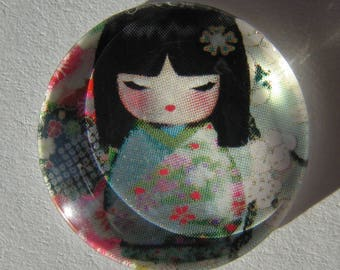 Glass cabochon round 20 mm with the image of Chinese girl in blue grey pink