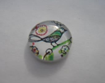 Cabochon 16 mm round domed with a bird image