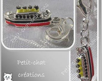 1 CHARM ON LOBSTER BOAT CRUISE RED METAL CHARM SILVER * V357