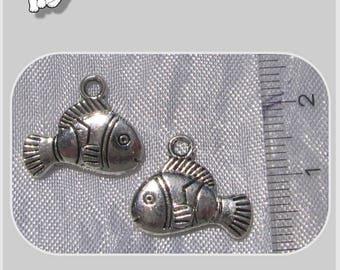 10 charms PENDANTS beads metal NEMO fish silver 17x14mm * B189