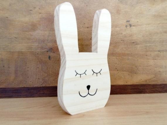 Tête de lapin en bois, déco chambre bébé, idée cadeau de naissance ...