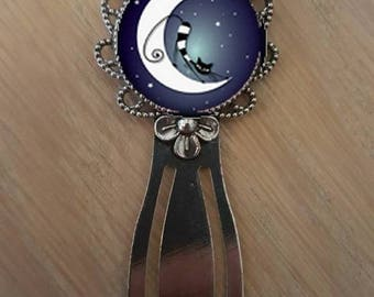 "Bookmark ""cat on the Moon"""