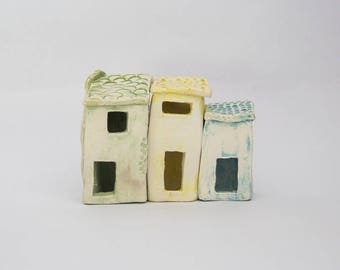 3 houses ceramic, this purse, in pastel colors, yellow, green, blue