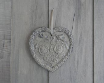 Light grey and off-white ceramic heart embossed doves and roses
