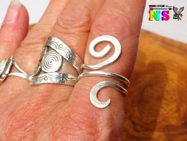 Adjustable ethnic ring in Sterling Silver T55size US 7.5-handmade handcrafted jewel-hammered silver finish-punched jewel
