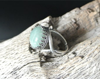 Ring B adjustable green round cabochon 14 mm aventurine backed setting antique silver metal size adjustable 58 mm (US size 8 1/4)