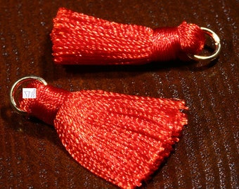 2 Scarlet red silk tassels mounted ring gold 30x15mm