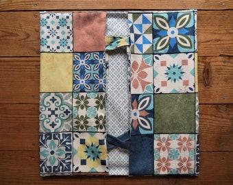 Sac à Tartes réversible, Motif Carreaux de Ciment, Rose et Bleu, Lavable en Machine,  36 cm sur 38 cm, Idée cadeau cuisine,