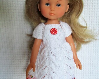 White dress and lace the sweethearts doll.