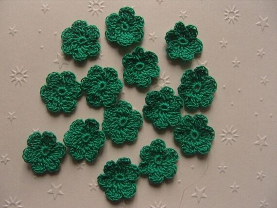 mini fleurs au crochet lot de 15 en coton vert meraude 2. Black Bedroom Furniture Sets. Home Design Ideas
