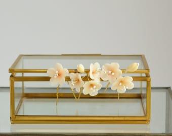 Flower wedding pin, wedding accessoire, bridal pin, bridal hair flower