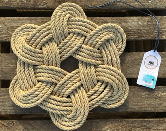 Marine decoration in rope, hemp carpet, souvenir of Brittany, vintage gift, underside of dishes