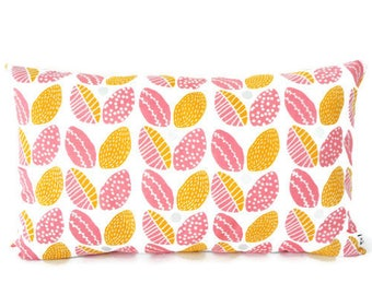 50 x 30 cm cushion cover, white fabric printed flowers, yellow and pink, Scandinavian, interior decoration, salon décor, vintage, nature