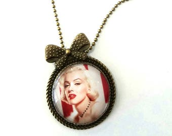 Marilyn Monroe necklace PIN or pendant bronze