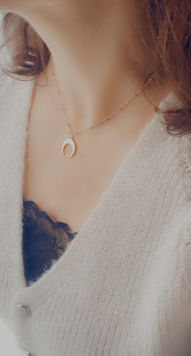minimalist necklace unique handmade jewel stainless steel short necklace gold-plated crescent moon necklace Low-neck gold necklace