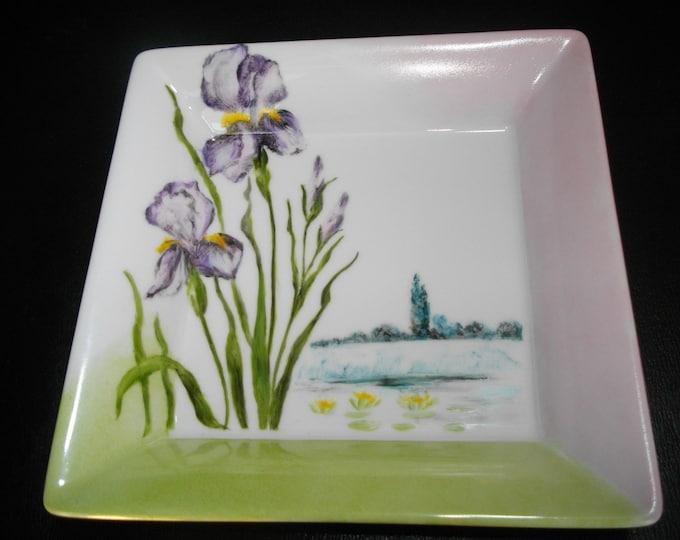 empty pockets /peint handmade/porcelain Limoges / iris