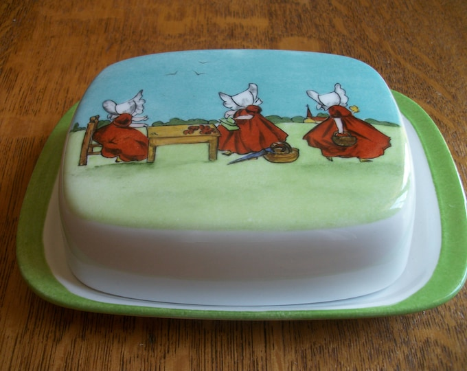 Butter dish / / vintage style porcelain hand painted