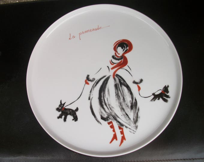 pie plate / round / tray / handpainted on porcelain handmade / walk / dogs