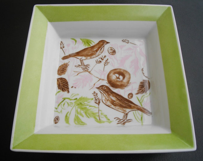 empty pockets / square / handpainted porcelain / soft green.