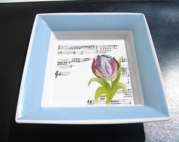 empty pockets / handpainted / porcelain / Tulip/music notes