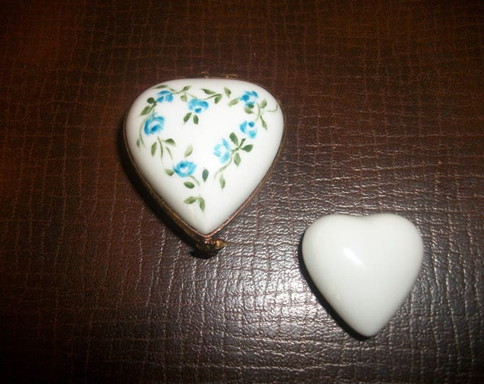 small / collectible box / miniature / heart / handpainted porcelain / indoor miniature / mother's day