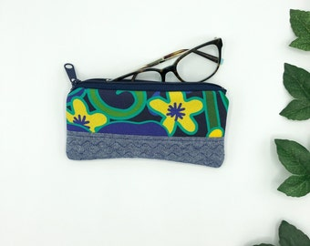 Eye Glass case, 1970s Floral Sapphire