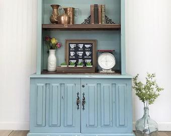 Bookshelf cabinet hutch