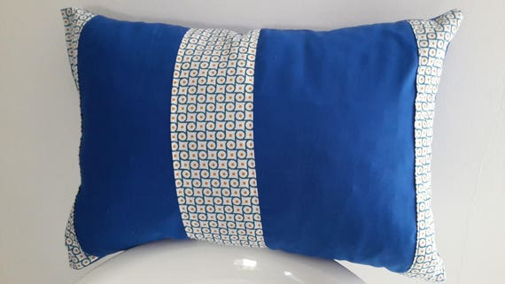 housse de coussin 50x30 cm bleu motifs g om triques etsy. Black Bedroom Furniture Sets. Home Design Ideas