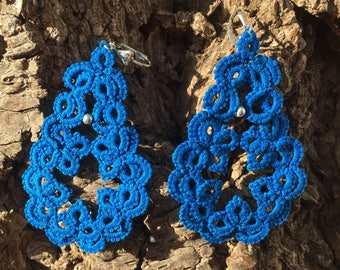 Small earrings Royal Blue cotton lace and silver beads