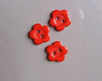 set of 3 pretty buttons flowers red