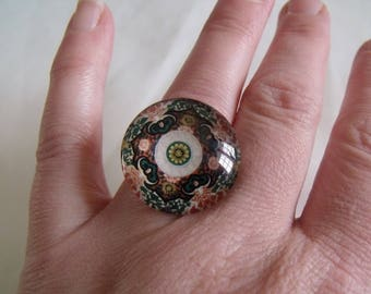 adjustable silver ring with cabochon in pink and white rose rosette