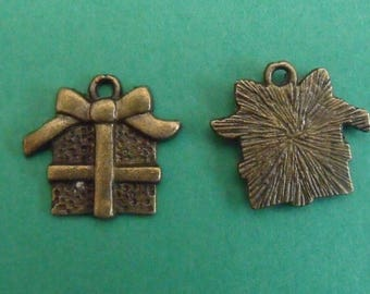 bronze charm, set of 4, gift package, 15mmx16mm for all your creations