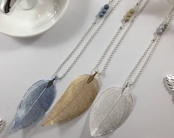 Great necklace leaf filigree and matching glitter beads blue, gold or silver