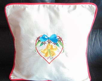 Embroidered canvas pillow cover