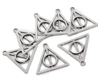 7 charms silver color triangle geometric